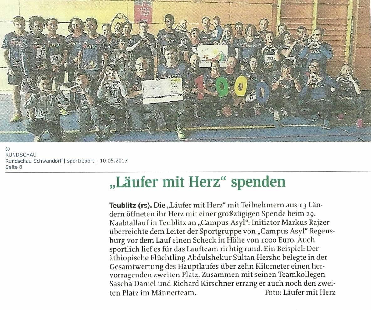 Läufer mit Herz spenden 1000 Euro beim Naabtallauf an das Campus Asyl in Regensburg (Quelle: Rundschau Schwandorf / Sportreport 10.05.2017)